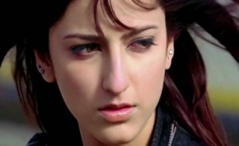 فيلم Luck 2009 مترجم هندي HD شروتي حسن حظ